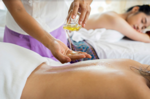 Massage with CBD oil